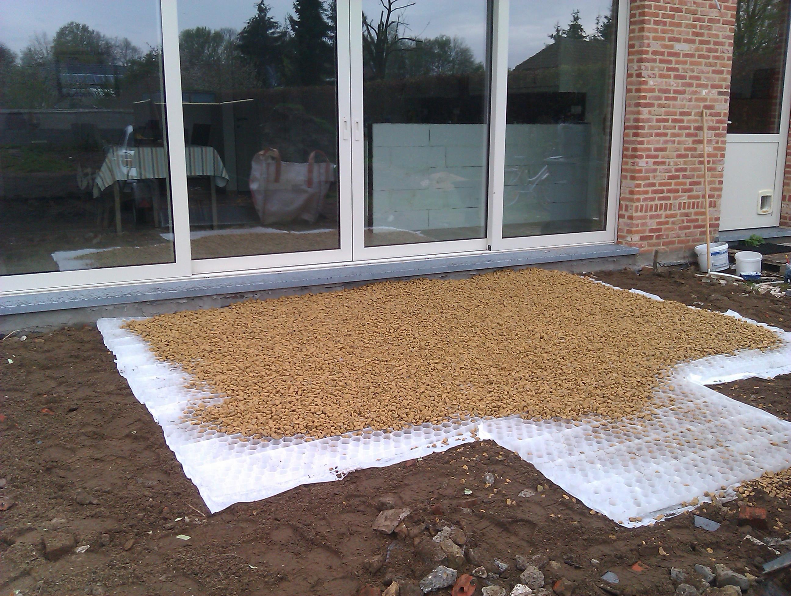 Gamma Badkamer Matten ~ Eerst matten gelegd zodat de tafel niet weg zakt in de dolomiet